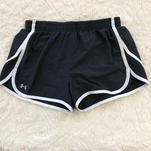 Under Armour - Athletic shorts